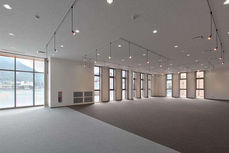 大和建設株式会社 平成21年  鳥取支社ふれあいホール